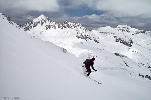 Skiing by Sneffels