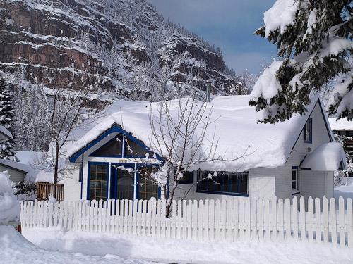 house, snow