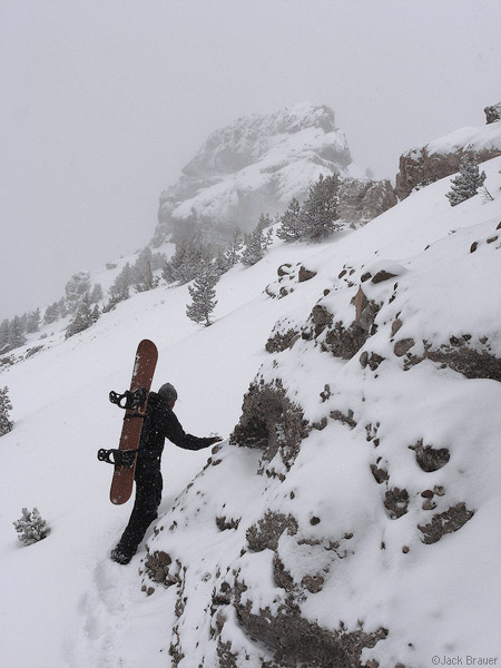 Hiking to Snowboard