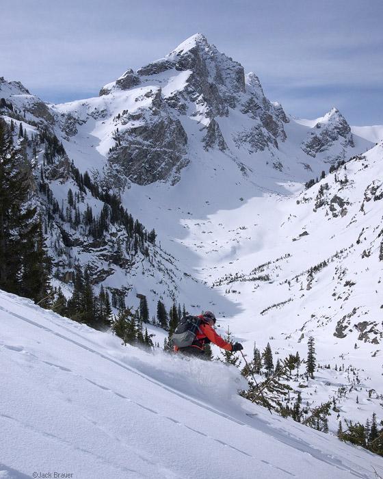 Skiing powder under Buck Mountain